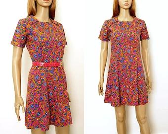 1960s Mini Dress / Vintage 60s Colorful  Floral Paisley Handmade Shift Dress / Small