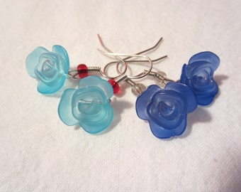 Cole's Blue Rose Case earrings featuring Frosted Lucite Roses in Royal Blue or Sky Blue. Inspired by Twin Peaks.