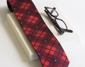 Red tartan plaid mens tie. Exlusive nerd nectie in black and red. Hipster Oxford tie by TieStory. Gift for dad or crazy tie lover.
