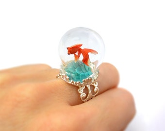 Terrarium ring with tiny goldfish. Miniature under glass globe. Original Christmas gift.