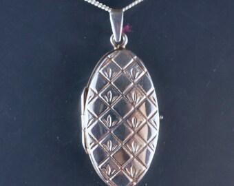 Locket - silver oval locket - large locket - 925 sterling silver locket  No.002047 cs