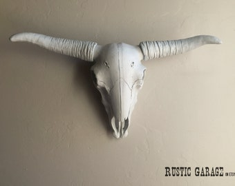 WHITE LONGHORN - Custom Painted Texas Cow Skull - Large Resin Steer Head Western Cowboy Modern and Rustic Wall Decor - Faux Taxidermy