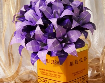 Two Color Paper Origami Lily Bouquet