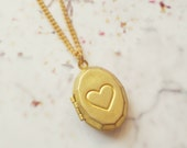 Vintage Oval Heart Locket. Raw Brass Antique Pendant. Simple Minimal Jewelry