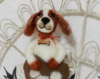 Needle felted Cavalier King Charles Spaniel, wool heart ornament, rust and cream Cavalier, ready to ship Pet Pocket ornament by Curly Furr