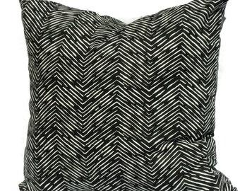 Ikat Pillow Cover, 20x20 Pillow Cover, Zig Zag Quadrille, Decorative Pillow, 18x18 20x20 22x22, Lumbar Pillow, Accent Pillow, Black White