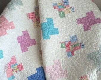 """1930's Reproduction Fabrics Are Soft and Serene In This Chunky Pinwheel Design 45"""" X 45"""" Quilt"""