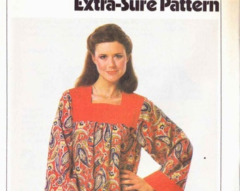 Simplicity 8752 Loose caftan square neck contrast yoke gathered long sleeves with contrast edge floor length Size 10-12-14 (uncut)