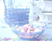 Set of 6 vintage blue glass dessert / cereal / pudding bowls: French glass dishes with pretty scalloped rims
