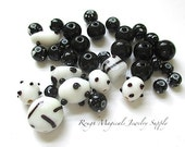 Black & White Lampwork Glass Bead Mix, Dots and Spots, Assorted Beads - 34 Pieces. SP523
