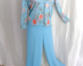 Vintage 70s womens blouse top shirt high collar pastel blue orange summer floral lightweight long sleeve pleated fabric size M L XL