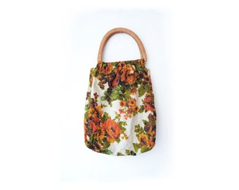 Vintage linen floral handbag with wooden handles