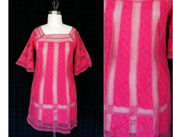 Ethnic Lace Tunic / Handmade Crochet Fuchsia Pink Mini Dress  / Vintage Lace Cover up / Size Small Mexican Sheer Top