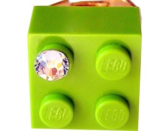 Light Green LEGO (R) brick 2x2 with a Diamond color SWAROVSKI crystal on a Silver/Gold plated adjustable ring finding