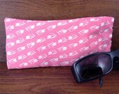 Vintage Japanese kimono silk crepe fabric  eye-wear case- eye glass case - sunglass case with flex frame - bubblegum pink tulip