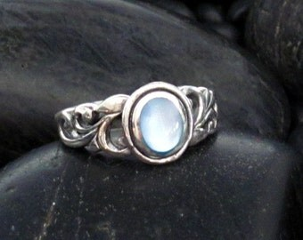 Blue Mother of Pearl with Carved Scroll Side Accents - Sterling Silver .925 - Pretty Scroll Solitaire Ring - Natural Shell Cabochon - MOP
