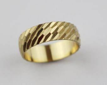 Vintage Brass Costume Ring Ladies Ring with Etched Cut Surface Design US Size 6.75  UK size N