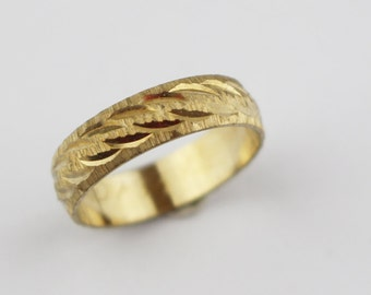 Vintage Brass Costume Ring Ladies Ring with Etched Twist Cut Surface Design US Size 6.75  UK size N