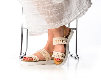 White Bohemian Sandals. Wedding shoes. Bridal leather sandals. Boho fringe and leather summer shoes. Bohemian platforms