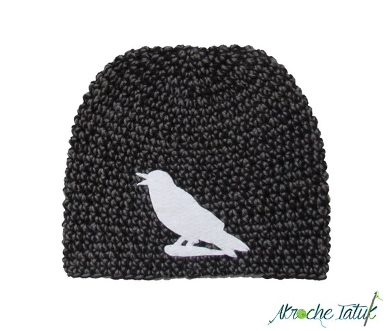 tuque oiseau corbeau animal en laine au crochet par akrochetatuk. Black Bedroom Furniture Sets. Home Design Ideas