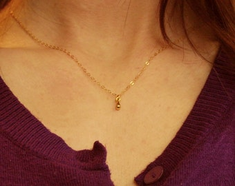 Gold drop necklace / Teardrop necklace / Gold teardrop / Gold drop / Simple everyday necklace / Simple drop necklace / Layering necklace