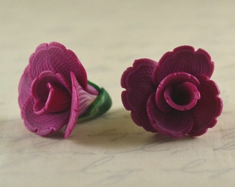 Flower beads 17mm - polymer clay bead pair - fuchsia