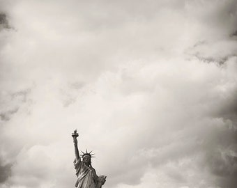 Minimalist Lady Liberty in New York City - Black and White Patriotic State Photography - American Home Decor