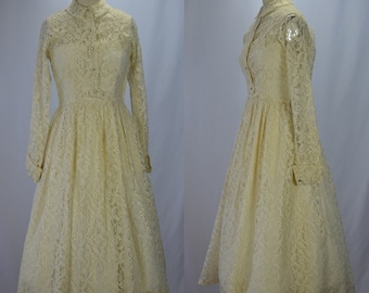 1950s New Look Dreamy Cream Lace & Rhinestone Wedding Dress