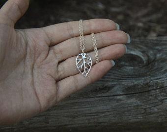 Silver Leaf Necklace, Leaf Jewelry, Botanical Jewelry, Leaf Outline, Gardener Jewelry, Fall Jewelry, Autumn, Nature Jewlery