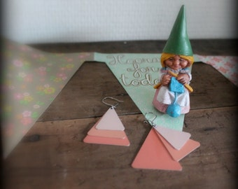 pink triangle earrings- minimal jewelry- pastel jewelry- pastel earrings- trending jewelry-summer vacation- pink shabby earrings- geometric