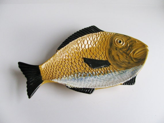 Vintage majolica fish plate made by kerangol 987 by for Fish with scales and fins