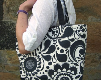 Reversible Charcoal and White Print Beach Bag