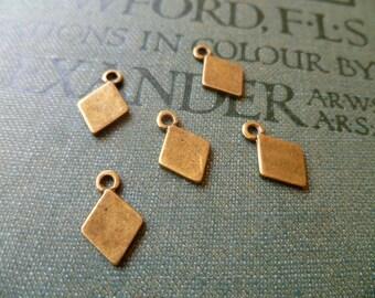 10x Diamond Droplet Charms, Antique Brass Pendants C14