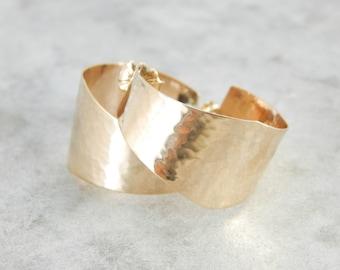 Hammered Hoop Earrings in Yellow Gold for a Classic Look K92CAU-P