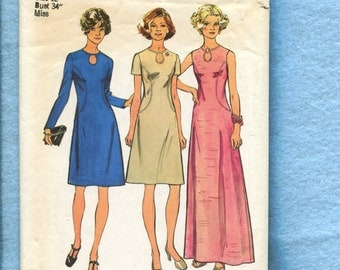 1970's Simplicity 6031 Slimming Princess Seam Dresses with Keyhole Neckline Size 12