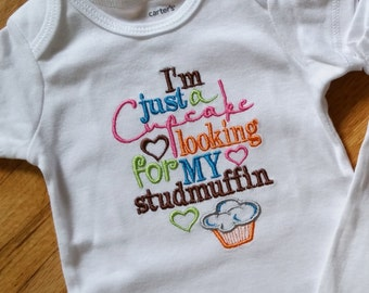 I'm just a studmuffin looking for my cupcake - Boy Girl Shirt or Onesie - All Sizes Available Preppy Classic Charmer Charming Stud muffin