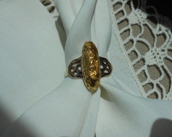 Lady's yellow metal nugget ring