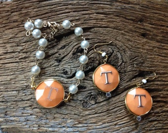 Tennessee Volunteers pearl and orange bracelet: UT Vols pearls and orange bead with silver power T jewelry