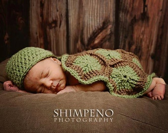 Newborn Turtle  Photo Prop