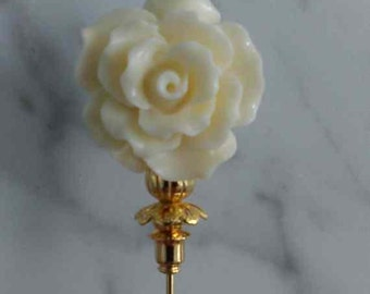 Lapel Pin for Mother Day 3 inch corsage pin with cream flower with gold findings and stick