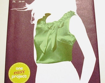 LAST CHANCE SALE - Simplicity 2026 - Misses Pullover Top Pattern - Sew Simple - Size 6, 8, 10, 12, 14, and 16