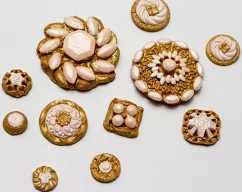 Two toned vintage style fondant brooches - See shipping section below for turnaround time