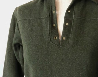 Vintage 1960s Sherwood Forest Laced Wool Pullover Shirt - Woolrich - Lichen Green - XS to S