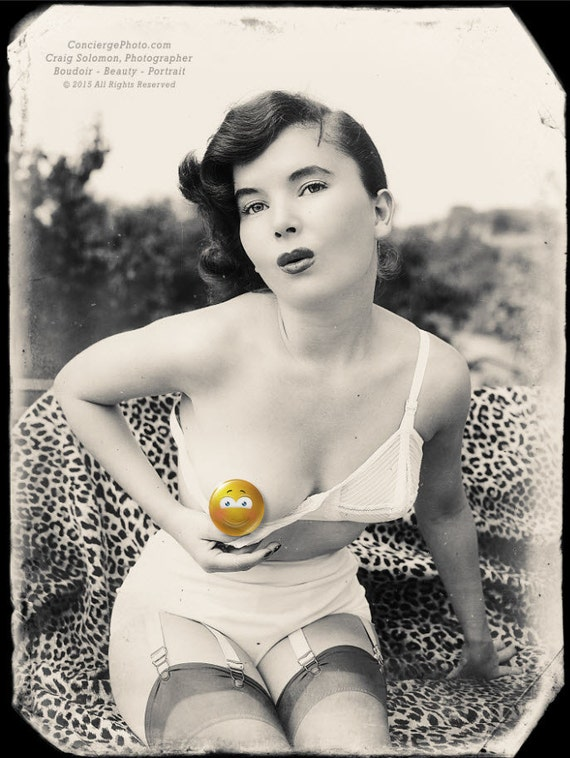 Items Similar To Vintage Mature 18 60S Woman Breast Peek -2428