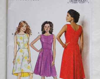 Butterick 6016 Dress Pattern / Misses' Sewing Pattern / Sz 14-22