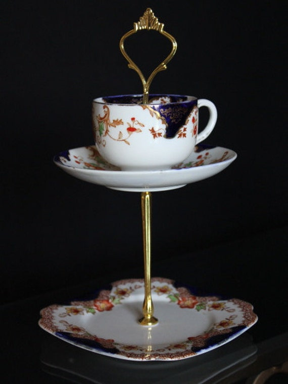 Teacup cake stand pretty 2 tier cake by prettyvintagehouse for Pretty cake stands