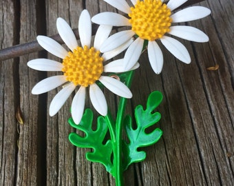 1960's Double daisy flower pin
