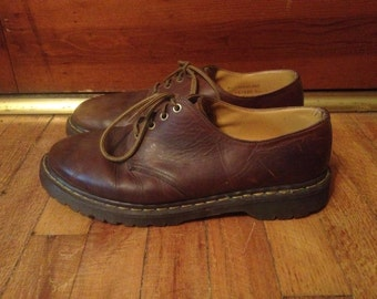 Vintage 1990s Mens DOC MARTENS Brown Leather SHOES Size 11.5 12 Brogues Oxfords Chunky