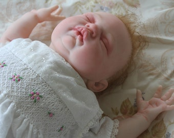 Beautiful reborn baby doll. Collectable
