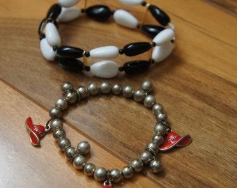 Vintage Jewelry  Bracelet Set  Pearl Beads ,Black, White ,Stretch ,Charm  P-051